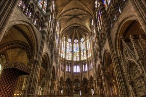 East-end-of-the-Basilica-Church-of-Saint-Denis-900x597